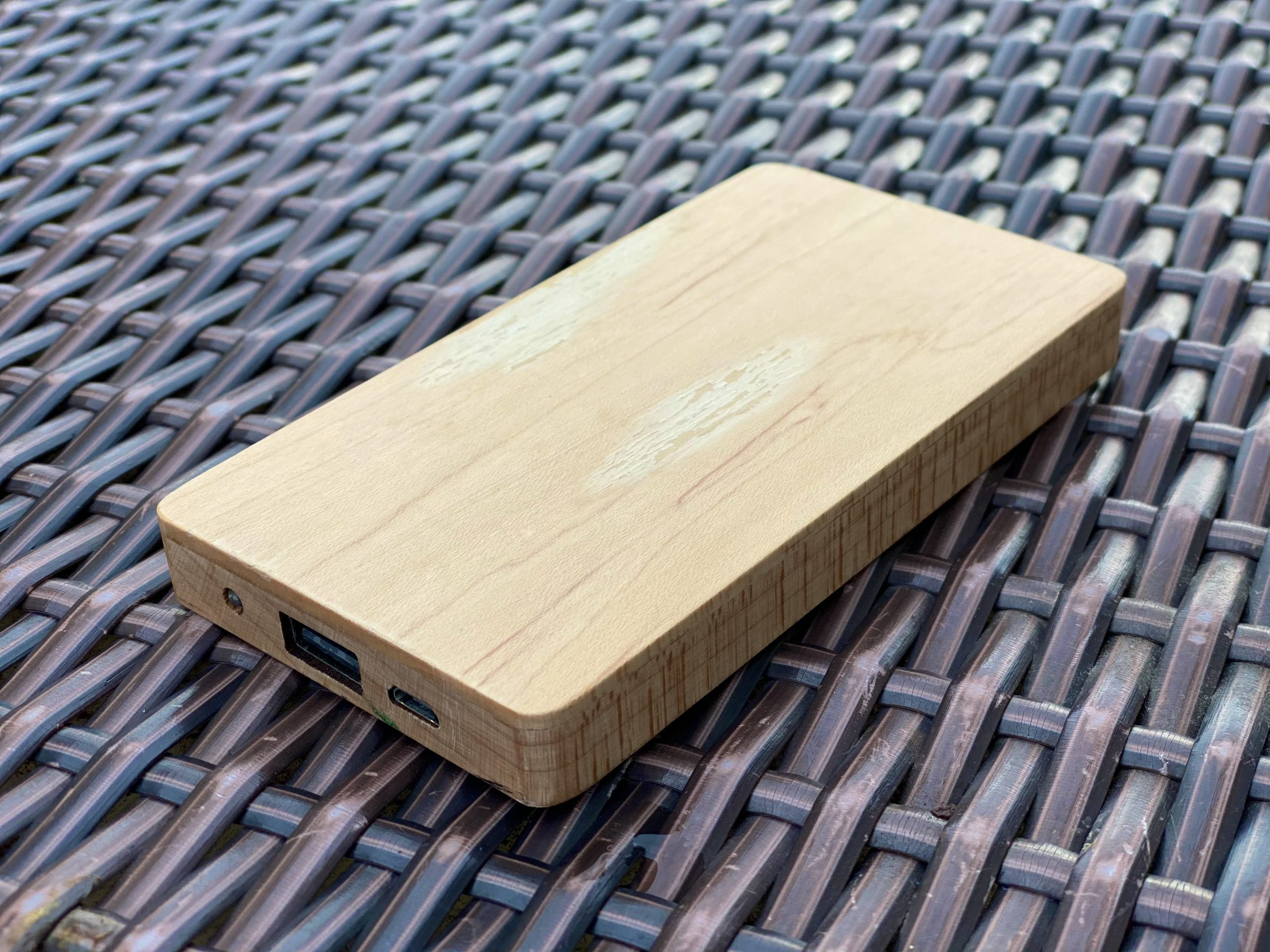 木製モバイルバッテリー